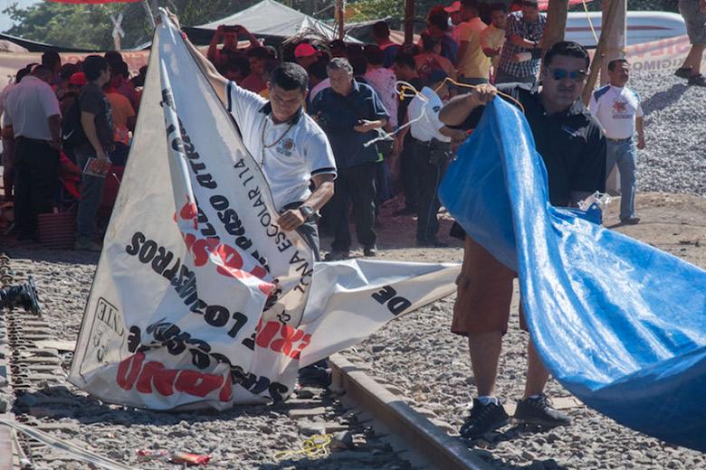 La CNTE levanta el bloqueo a la vías del tren en Michoacán; acepta dialogar con autoridades